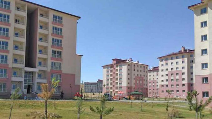 Toki 100 bin sosyal konut Bitlis başvuruları başlıyor. Bitlis'te 300 konut satılacak. İşte TOKİ Bitlis Konutları daire fiyatları ve başvuru şartları!