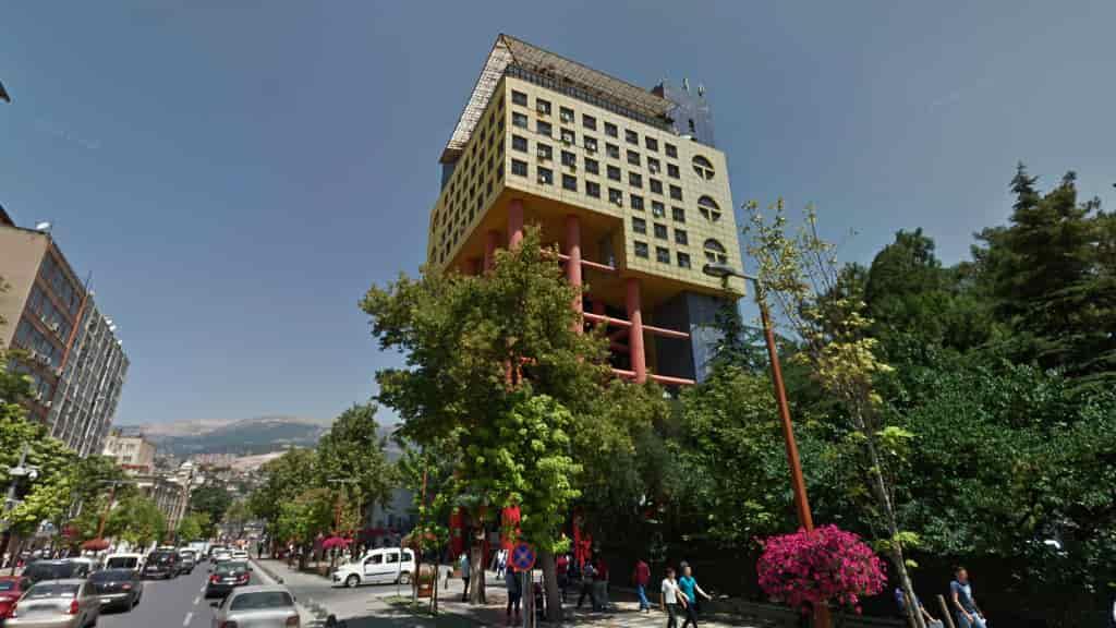 Dünyanın En saçma binası Kahramanmaraş'ta!