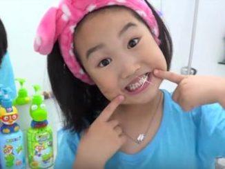 6 yaşındaki youtuber