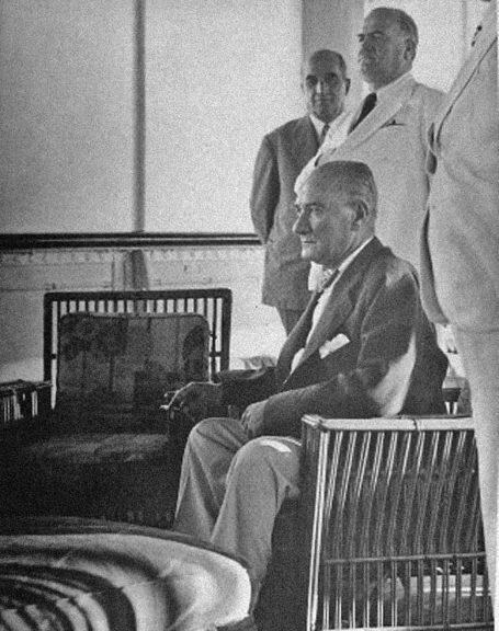 Az bilinen Atatürk fotoğrafları